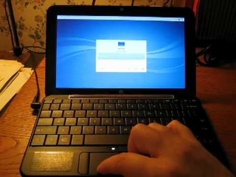 HP Mini 1000 Netbook running Lubuntu Linux 12.04