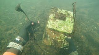 Found Old Cash Register in River While Scuba Diving! (Money Inside??)