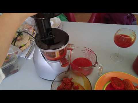 Juicing Cactus Fruit aka Prickly Pear using Omega Juicer