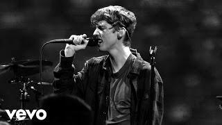 Troye Sivan - TALK ME DOWN (Live) (Vevo LIFT)