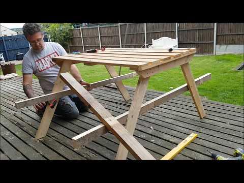DIY Pallet Picnic Bench