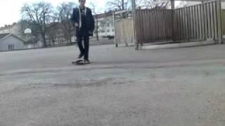 Iranian boy fails with skateboard