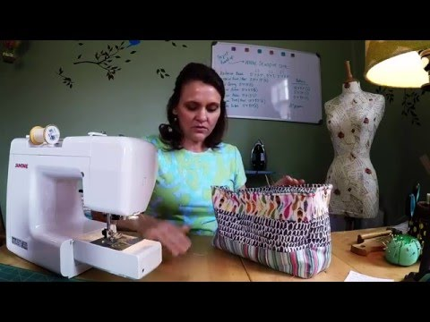 How to sew a medium size zippered travel bag