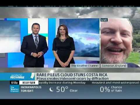 Explaining the Costa Rica iridescent cloud