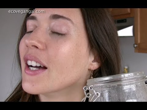 How To Make Your Own Organic, Vegan Coconut Kefir