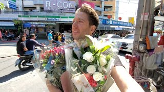 ❤Happy Valentine's Day in PATTAYA THAILAND: Passing out ROSES 🌹 Nin Barber gets the BIG ONE