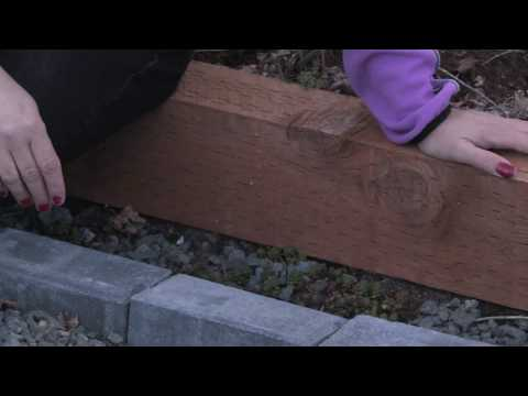 Gardening Tips : How to Edge a Flower Bed With Bricks