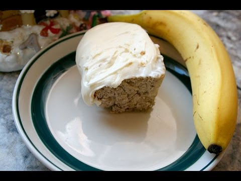 Daddy bakes a cake : )  Banana Cake w/ Cream Cheese frosting recipe