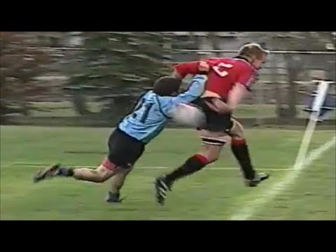 Mike James and Ed Fairhurst double backhand pass creates try for Jon Thiel