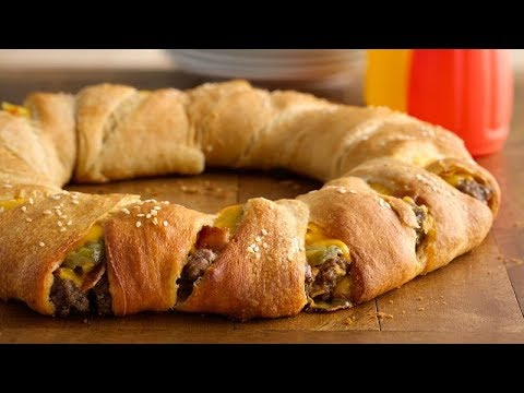 Bacon Cheeseburger Crescent Ring | Pillsbury Recipe
