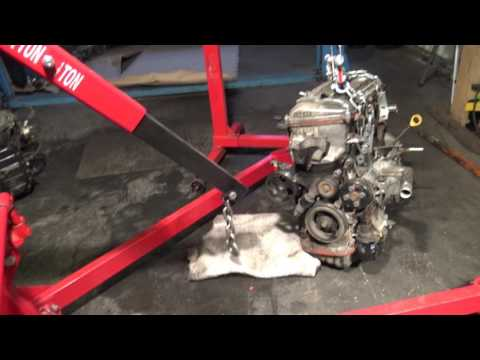 How to lift up car engine with using hydraulic crane hoist