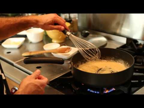 How to Make Fettuccine Sauce With Flour & Butter : Recipes for Home-Cooked Meals