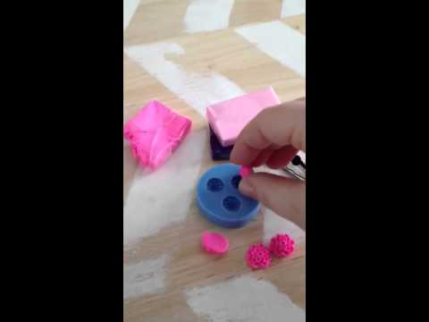 How to use a silicone mould with polymer clay
