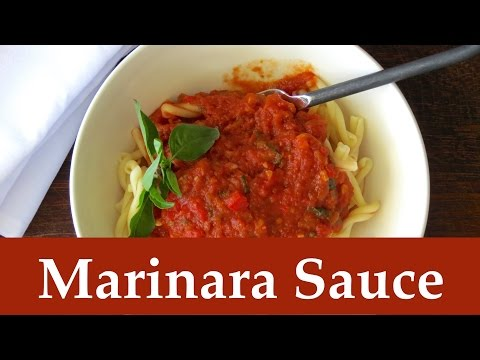 Easy Vegan Marinara Sauce -- The Frugal Chef