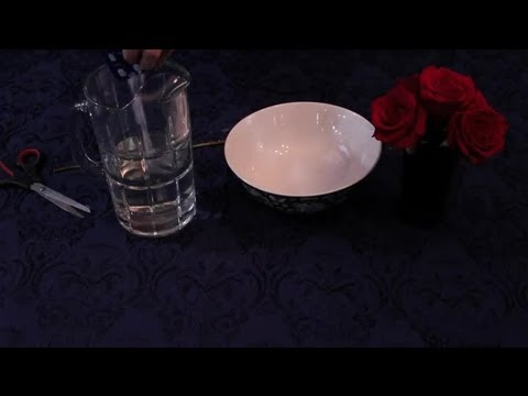 How to Keep Roses Fresh in a Vase : Specialty Centerpiece Ideas