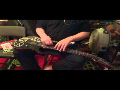 Changing Guitar strings on my Ibanez 2001 RG7421 7 String - Gary Hutchings Part 1