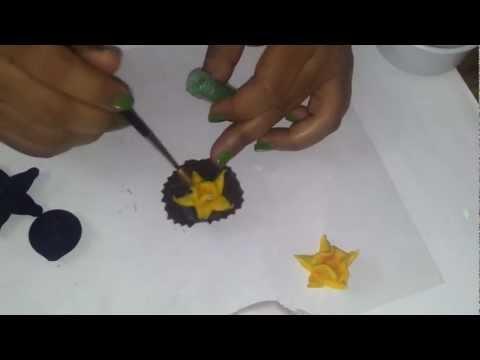 2.How to make a fondant flower Daffodil