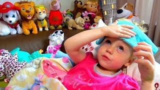 Download Настя смотрит мультики и показывает свои игрушки Video