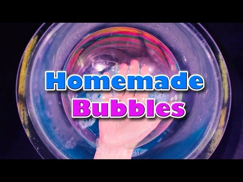 DIY Bubbles - Homemade bubble solution (Quick and Easy)