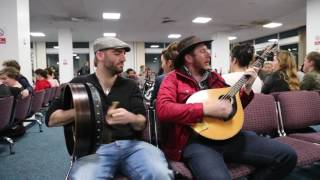Irish flight delayed so trad session started between DaoiríFarrell, Geoff Kinsella and Robbie Walsh.