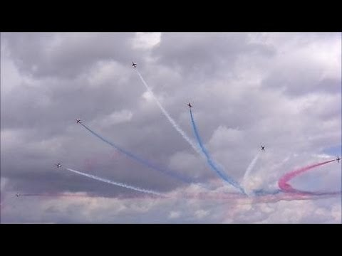 The Red Arrows - Awesome Display - Cleethorpes Airshow 2013