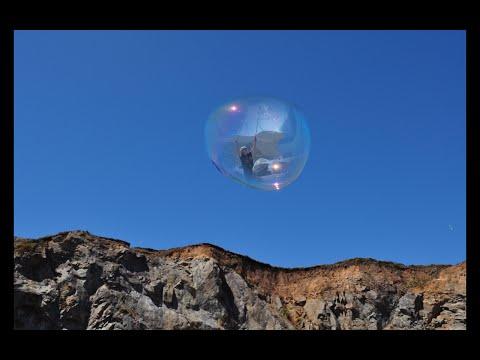 Suzie's Fantastic Giant Bubbles