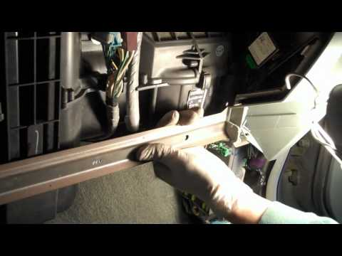 Tutorial: How to change a cabin air filter in a 2003 Honda Pilot