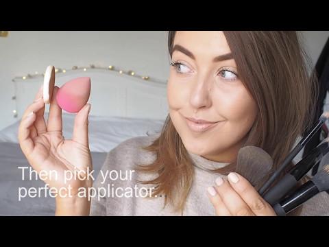 How to: Apply True Colour Cream-to-Powder Foundation Compact.