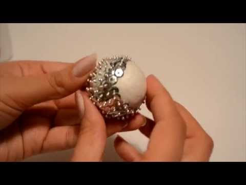 How to make: A Christmas Sequin Bauble | Christmas Crafts