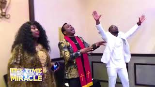 POWERFUL SOAKING WORSHIP) HOLYGHOST TAKE OVER by Theophilus Sunday