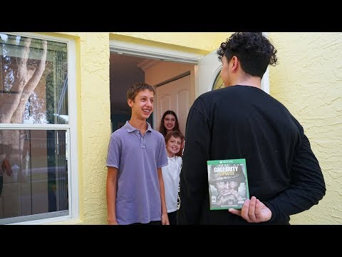 SURPRISING A FAN AT HIS HOUSE! (CALL OF DUTY WW2 SURPRISE)