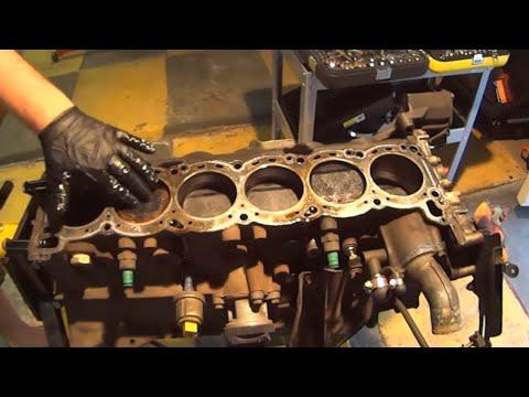 R32 GTST Time Attack Build - RB25DET Engine Build PT 4 - Inspecting Big Ends, Pistons and Internals