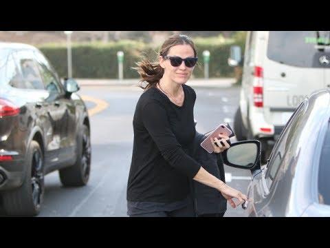 Jennifer Garner Ready To Start Dating Again?