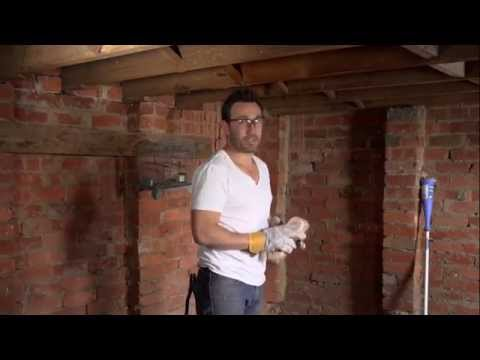The Home Team - Cleaning Old Timber - How To