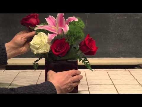 How To Make An Easy Valentine's Day Flower Arrangement