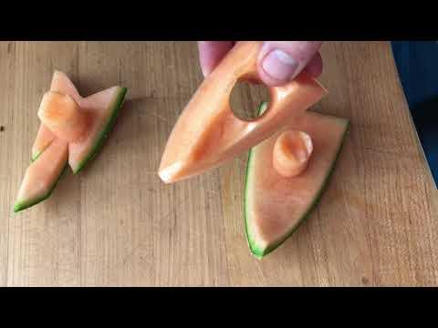 easy cantaloupe carving