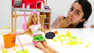 Download Sevcan Barbie için pizzacı mesleğini buluyor. Kız oyunları Video