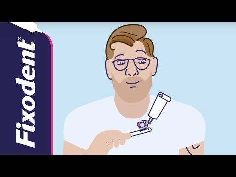 How to Clean Your Dentures Correctly | Fixodent