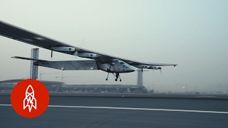 This Solar-Powered Plane Can Circle the Globe Without Stopping | That's Amazing