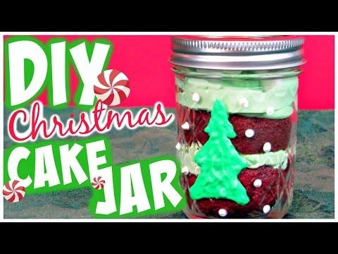 DIY Holiday Treat // Christmas Cake Jars