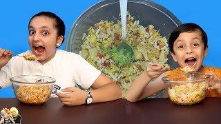 TWIN TELEPATHY BHELPURI CHALLENGE #Funny | Aayu and Pihu Show