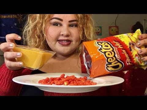 Hot Cheetos with Nacho Cheese/ MUKBANG
