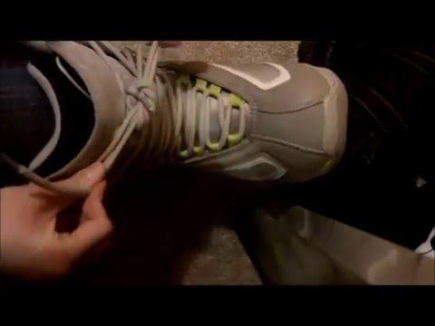 How to Lace Up Snowboarding Boots