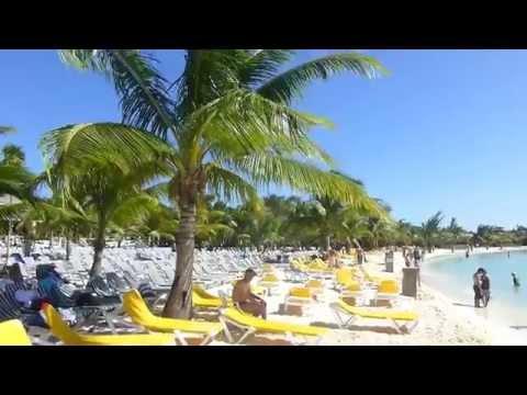 ROATAN  HONDURAS   MAHOGANY BAY BEACH