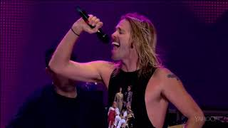 Foo Fighters feet. Rufus Taylor on drums — Under Pressure (Queen Cover & David Bowie)