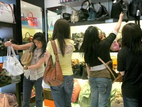 HK's used handbags find second home