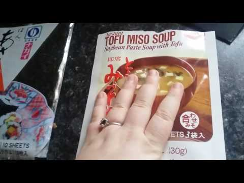 Reviewing Instant Tofu Miso Soup and Sushinort Roasted Seaweed