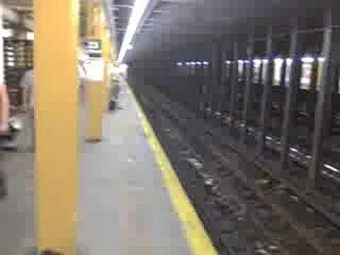 NYC Subway E-Train