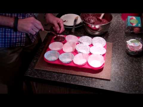 Silly Muffins Mixing EP1 - How To Bake Chocolate Chip Thin Mint Muffins