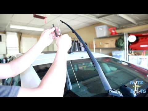 2010-2015 Toyota Prius How to replace the rear wiper insert